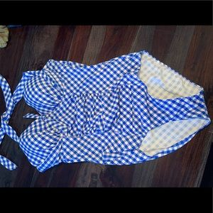 One piece halter tie padded bra swimsuit